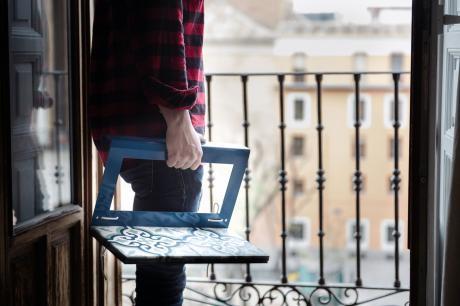 Mesita para balcón con baldosa hidráulica